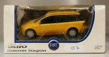 Modellino FIAT STILO STATION WAGON, colore giallo, scala 1/43