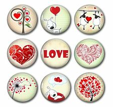 LOVE IS ALL AROUND - Show Your Love!,9 Magnet Set in Gift Tin