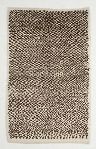 Contemporary Tulu Rug, 100% Natural Un-Dyed Wool. Cream and Brown
