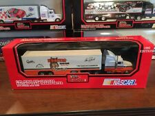 1993 Alan Kulwicki Hooters #7 Racing Champions Team Transporter 1:64 DieCast