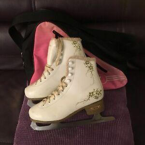 SFR glitra girls ice skates uk size 4 EUR 37 white with fur decor with bag