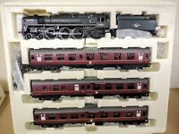 OO Gauge Hornby 'The Norfolkman' train pack with Britannia class 7MT loco & 3 BR