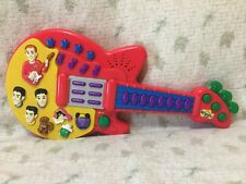 THE WIGGLES Musical & Singing Guitar Toy (Makes Funny Noises) 2003 Spin Master
