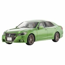 Kyosho Original 1/18 Toyota Crown Hybrid Athlete S Bright Green Resin KSR18001GR