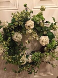 """Spring And Summer 18"""" Green And White Snowball Wreath"""