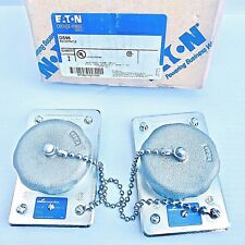 LOT OF 2 COOPER CROUSE-HINDS DS96 COVER WITH SINGLE 20A,125V, 3 POLE, RECEPTACLE