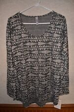 Lularoe Lynnae NWT XL Shirt Top Beige Charcoal Gray Aztec Print Triangles