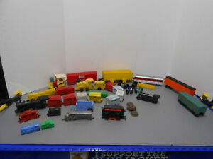 31 Pc.Vintage Plastic Lot; Irwin, Varney, Mar, Toy Train & Etc Parts