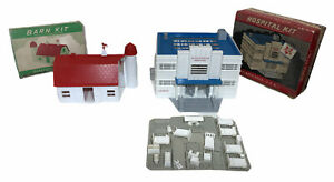 LOT OF 2 VINTAGE PLASTICVILLE HOSPITAL KIT HS-6 and BARN KIT BN-1