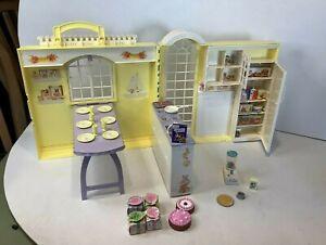 Barbie Happy Family Grandmas Kitchen Set