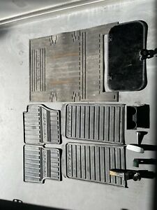 Land Rover Defender Mats, Sunroof, Rear Vision Mirror, Cup Holder, Tow Bar Parts