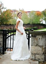 En Vogue 4 Bride Ivory ALine wedding dress Lace Classic Modest Sparkly Bead Glam