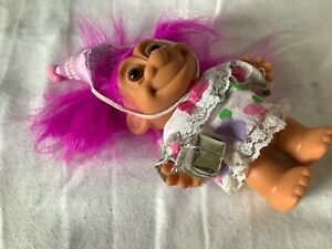 Vintage happy Birthday troll doll with bright pink hair & removable dress w/gift