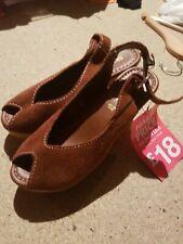 Sandalias de cuña marrón cuero Gamuza siguiente 3.5