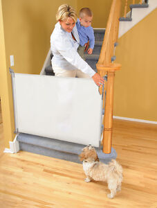 New Dreambaby Retractable Security Baby Pet Safety Gate 140 cm Mesh toddler