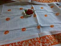 1m,50x1,28 blanc orange jolie  nappe  beau tissus coton trame