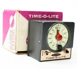 Vintage TIME-O-LITE Professional Darkroom Timer P-72 glow-in-the-dark face WORKS