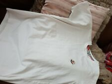 Uomini T Shirt Bianca con etichetta con logo MONCLER. taglia Small.
