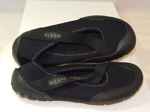Keen 35/35.5 Black Nylon Stretch Elastic Rubber Toe Wather Shoes NO Insole