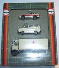 Camions miniatures blancs en plastique