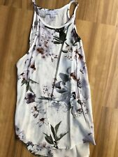 White Closet Size 8 White And Lilac Lily Print Blouse Top