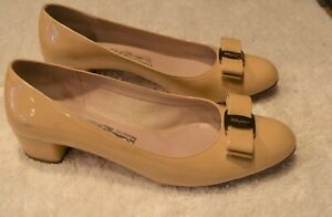 Rare Salvatore Ferragamo Vara Bow Beige Patent Leather Women's Shoes Size 10M
