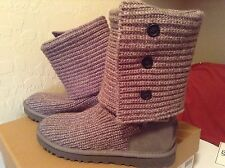 AUTHENTIC $299 Ugg Classic BUTTON Cardy Knitted Boots   grey Sheepskin Lined 9