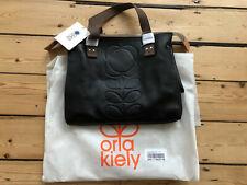 Neues AngebotOrla Kiely geprägtem Vorbau kleiner Reißverschluss Messenger. schwarz Leder. mit Etikett + Staubbeutel.
