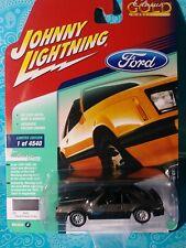 1973 Ford Mustang Mach i black ** RR ** Johnny Lightning Classic 1:64 nuevo