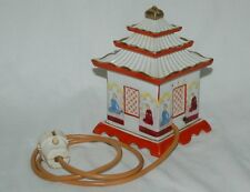 Edad rauchverzehrer pagode-rara ejecución con personas-porcelana