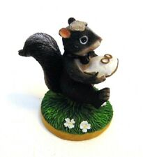 "Skunk Charming Tails Figurine Fitz & Floyd ""The Ring Bearer"" 1997 82/104"