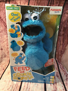 Hasbro Sesame Street Feed Me Cookie Monster Plush Toy NEW IN BOX! (C)