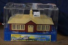 Bachmann Plasticville 45011 School House HO Scale - NEW