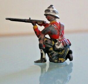 Soldier Lead Hollow Old Pulling A Knee With Helmet