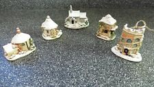 More details for lilliput lane christmas snow collection