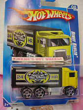 2009 Hot Wheels HIWAY HAULER #114/190~Yellow Cab;Black Box;Express~HW City Works
