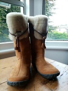CUSHE Cabin Fever Women's Waterproof Cold Weather Fashion Boots  - Size 7 UNWORN