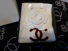 Chanel Brosche / Kamelie m. Anhänger, in Geschenkbox Neu!