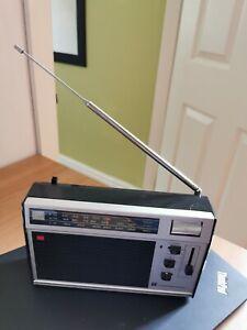 VINTAGE STANDARD 3-band (FM/AM/LW) RADIO - SR-RQ520FL - working order
