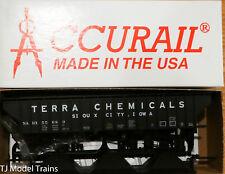 Accurail HO #81021 Terra Chemicals Pullman Std. Covered Hopper