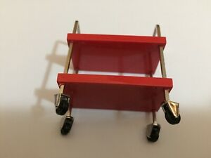 1/18 scale modified Tuning DIORAMA TOOL TROLLEY in RED