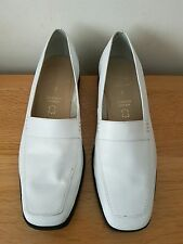 Ladies Leather Shoe By BHS In Cream Size 7D