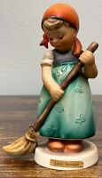 Goebel Hummel #171 Little Sweeper TMK-3 Figurine! 93