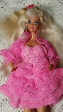 Bambola Barbie luci e pizzo 1990 PINK outfeet Pretty