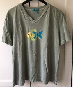 FRESH PRODUCE Womens Large V-Neck T-shirt Fish Green Ocean Beach Very Nice