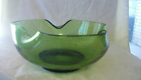 MEDIUM VINTAGE GREEN GLASS BOWL WITH SCALLOPED EDGES