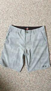 Oakley Mens Shorts Size 32 light grey camo