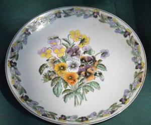 ORIENTAL - DECORATIVE PANSY BOUQUET Plate - Beautiful pattern!