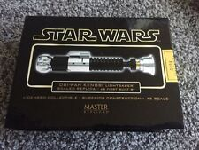 Master Replicas OBI-WAN KENOBI Star Wars LIGHTSABER .45 scale sw-303 AS FIRST...