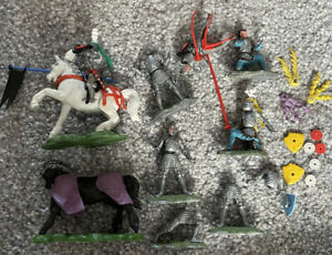 Britains Swoppet  Knights Vintage Plastic Toy Soldier
